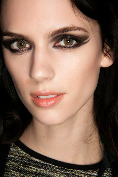 Are You Bold Enough To Try These 15 Statement Eye Makeup Looks? 5