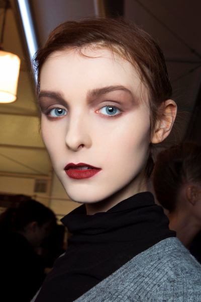 Are You Bold Enough To Try These 15 Statement Eye Makeup Looks? 8