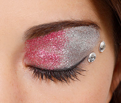 Are You Bold Enough To Try These 15 Statement Eye Makeup Looks? 16
