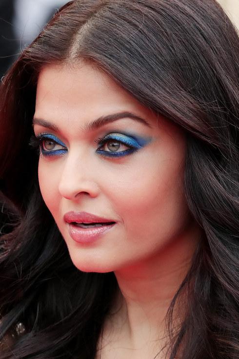 Aishwarya Rai Bachchan Cannes 2016 | Aishwarya Rai Bachchan Blue Eye Makeup Cannes 2016