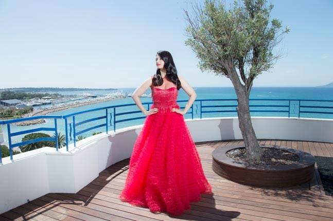 Aishwarya Rai Bachchan Cannes 2016 Naeem Khan | Aishwarya Rai Bachchan Cannes 2016 Floor Length Red Gown