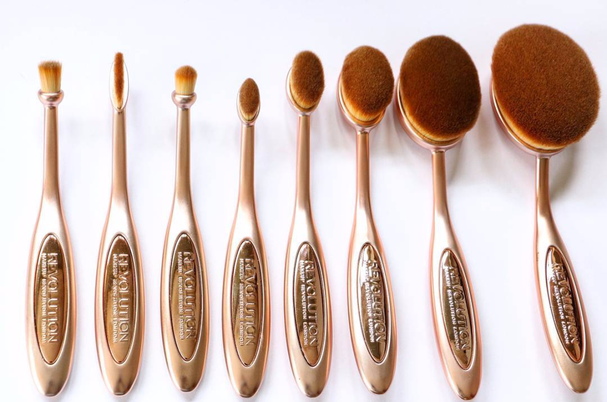 Makeup Revolution Precision Oval Brush Collection