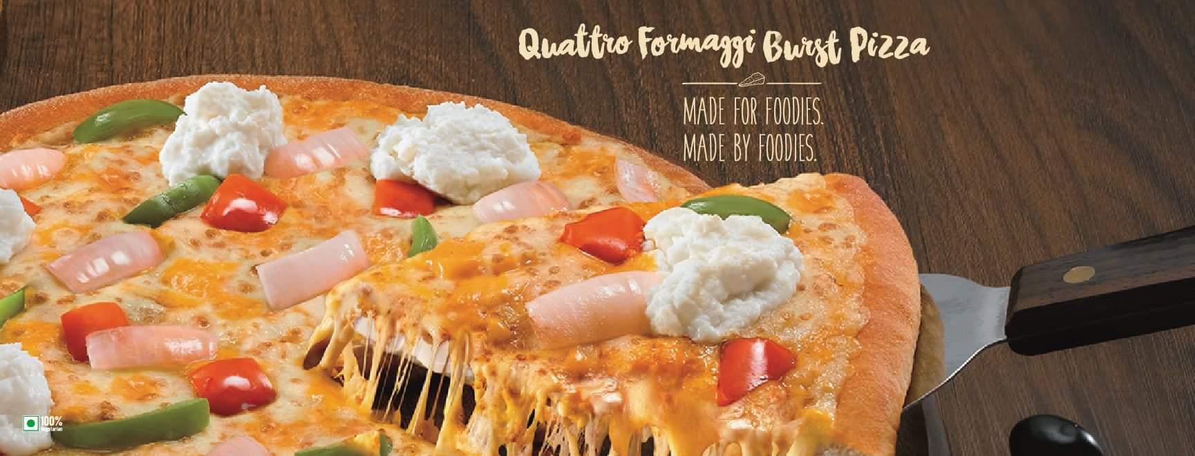 Review | New Domino's Quattro Formaggi Pizza Burst