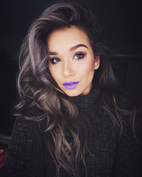 Trendy Lipstick Shades That You Need To Try Out! 1