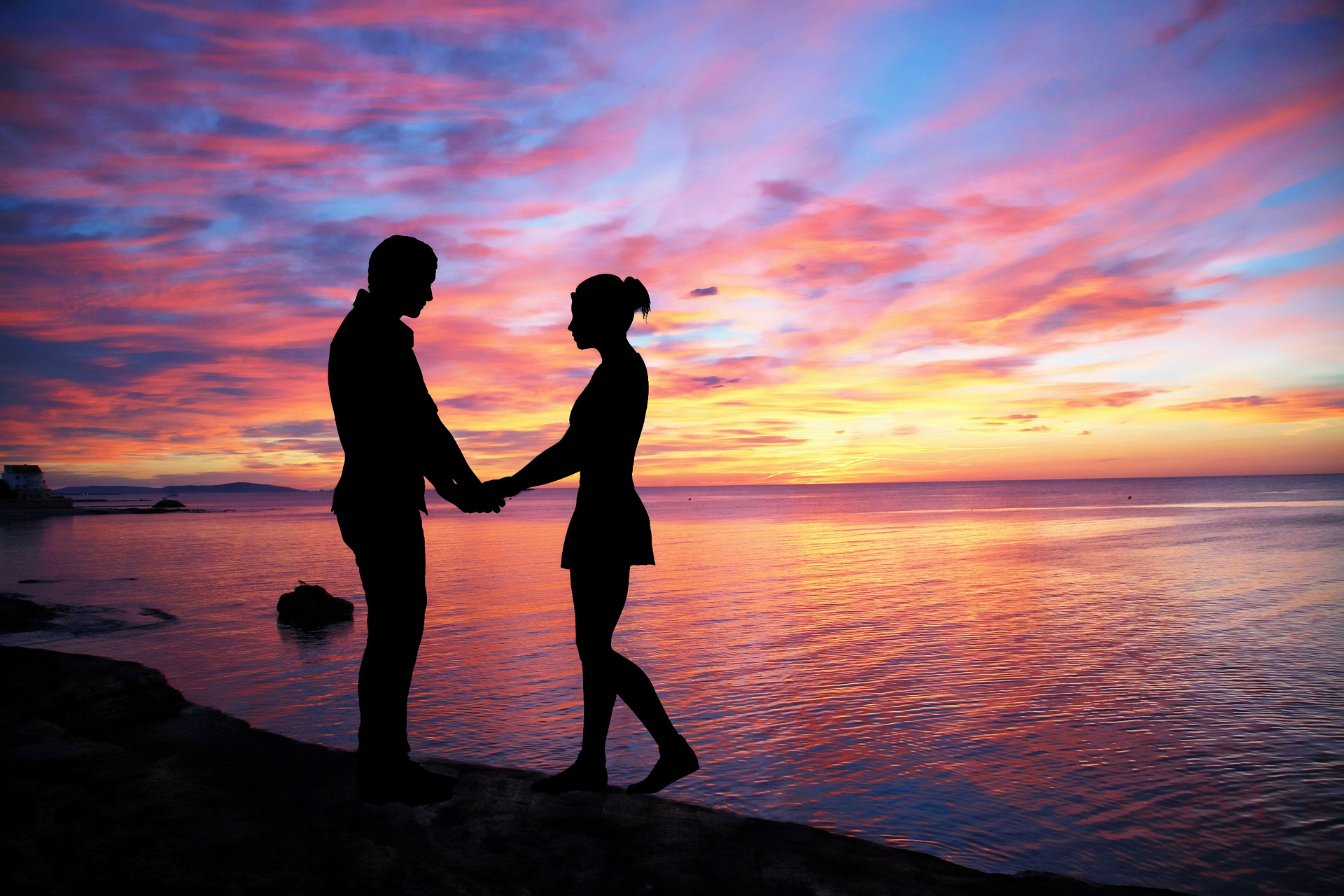 Reveling Little Things Happy Couples Do Each Day
