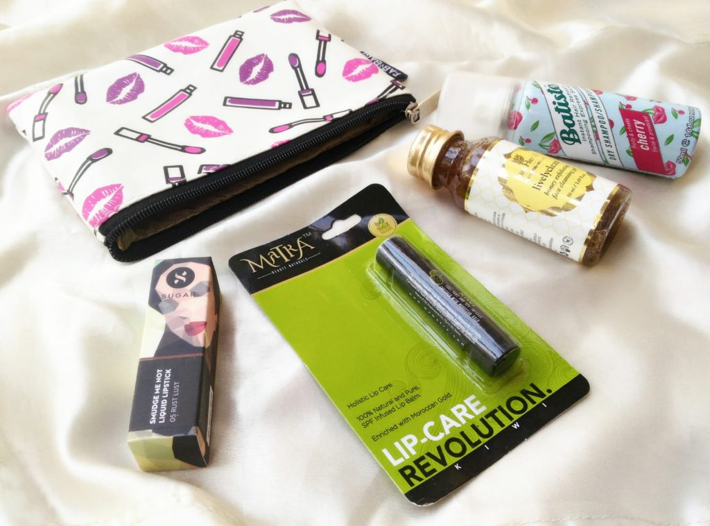 What's In My February Fab Bag | The Pucker Up!