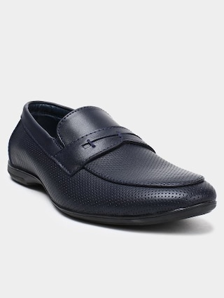 Women's Apparel and Men's Shoes | The Latest Trends
