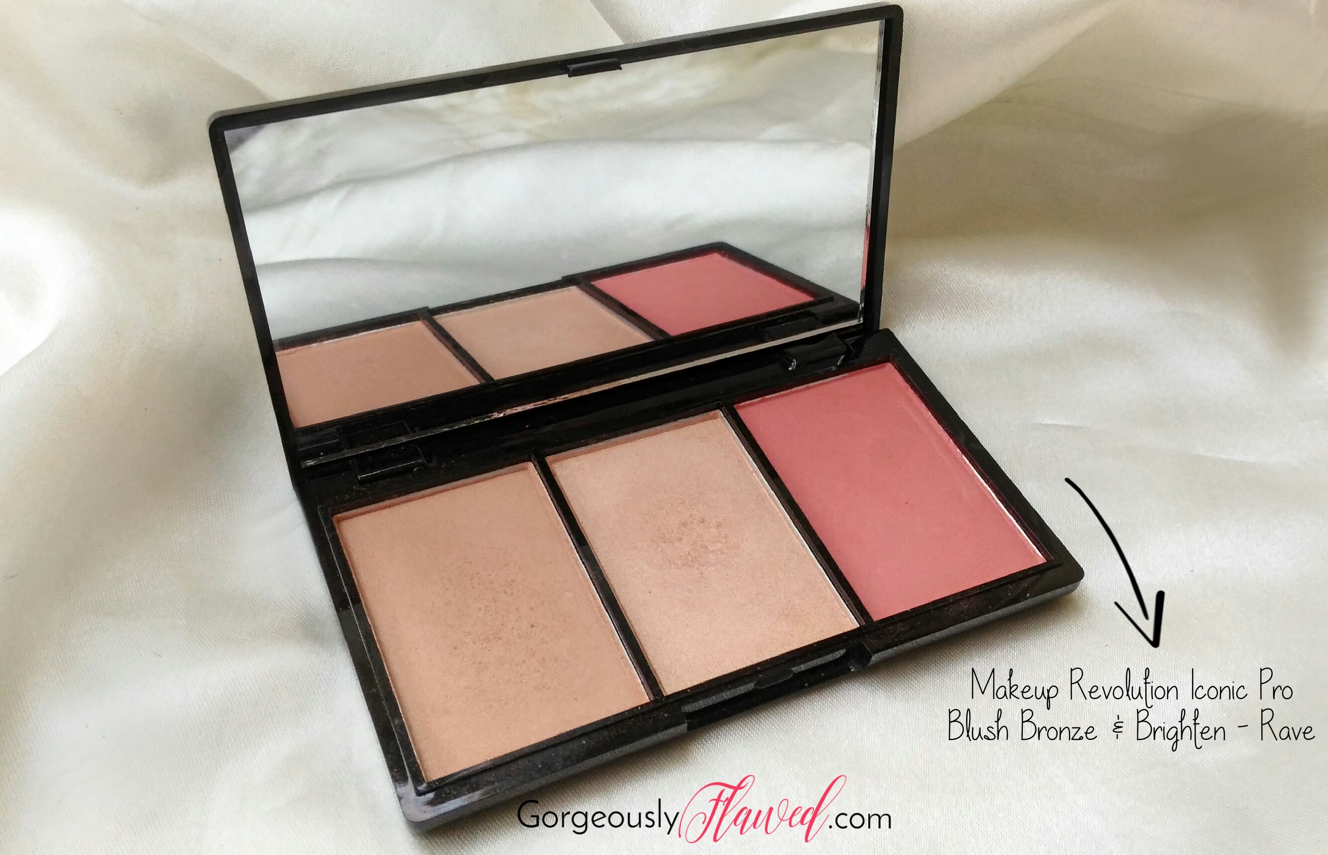 How To Build A Capsule Makeup Collection | Small Makeup Collection For The Minimalist In You
