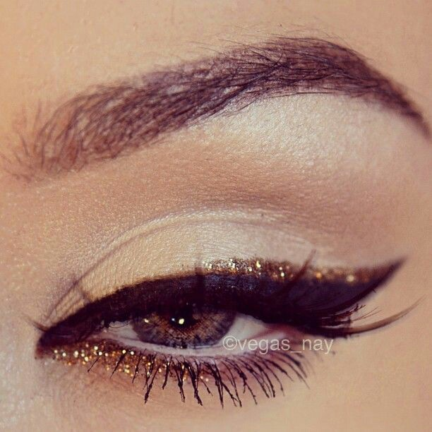 10 Fantastic Makeup Ideas To Rock New Year's Party