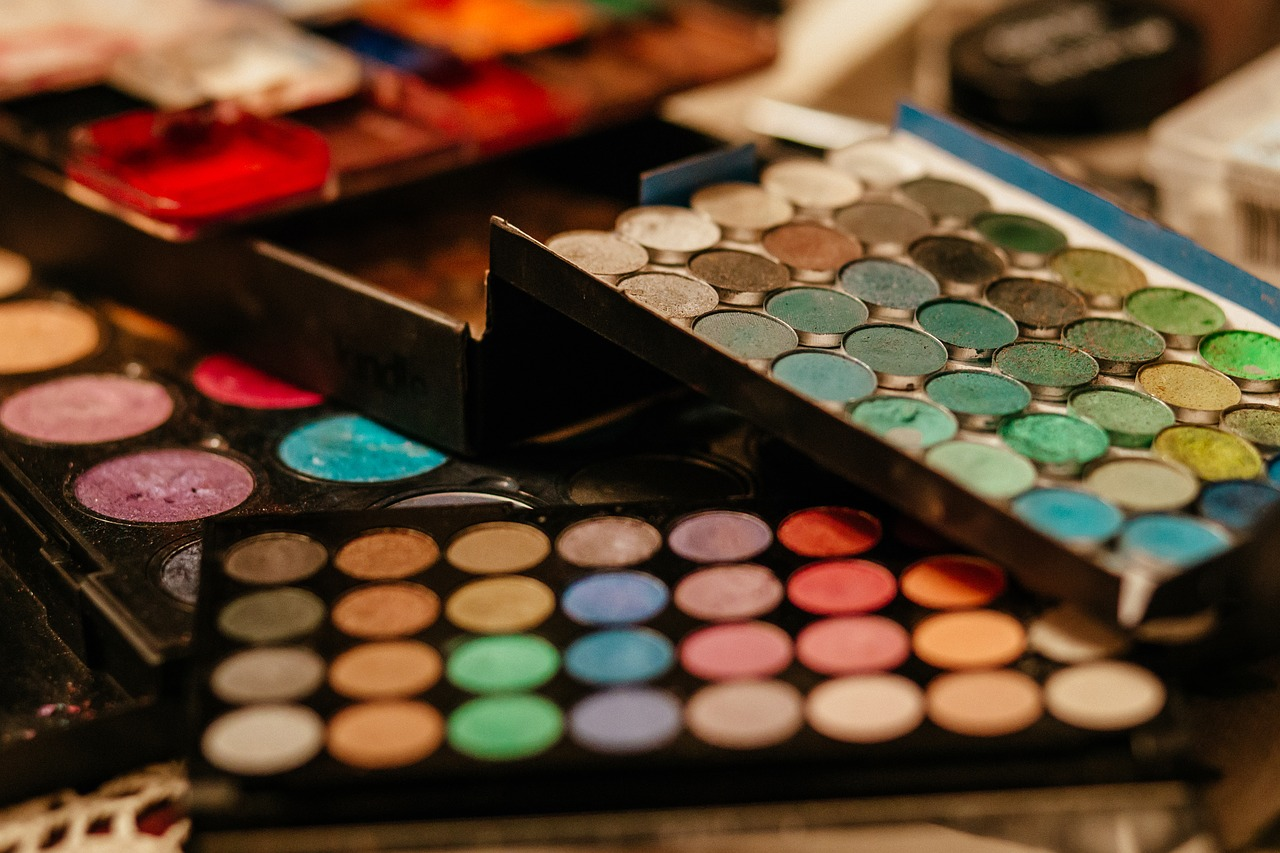 How To Reuse Expired Makeup And Beauty Products