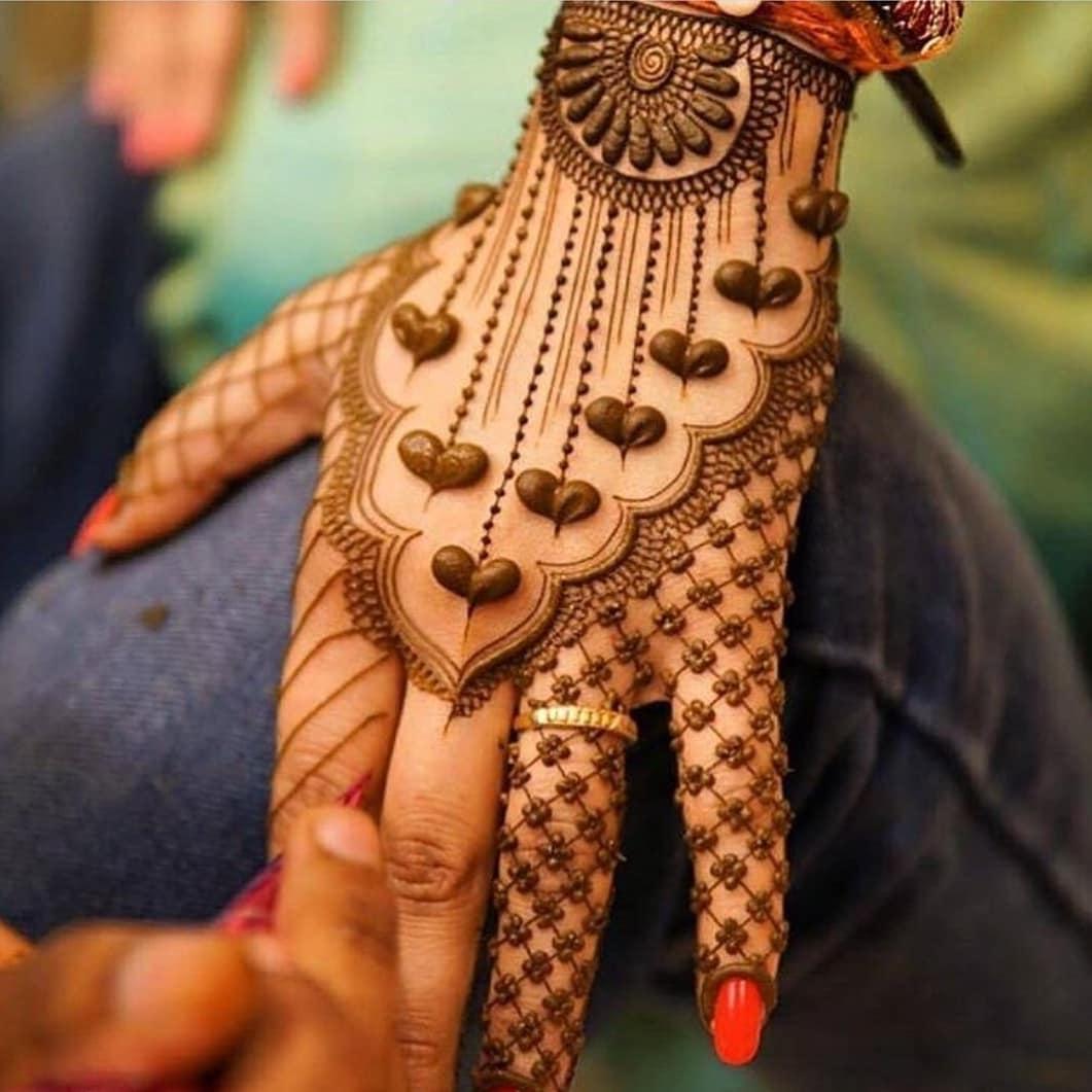 Adorable New Rakshabandhan Mehndi Designs For 2018 | Simple & Easy Rakshabandhan Mehndi Design To Try This Year | Simple Mehndi Designs For Beginners | Latest Rakhi Mehandi Designs | Elegant Mehndi Designs
