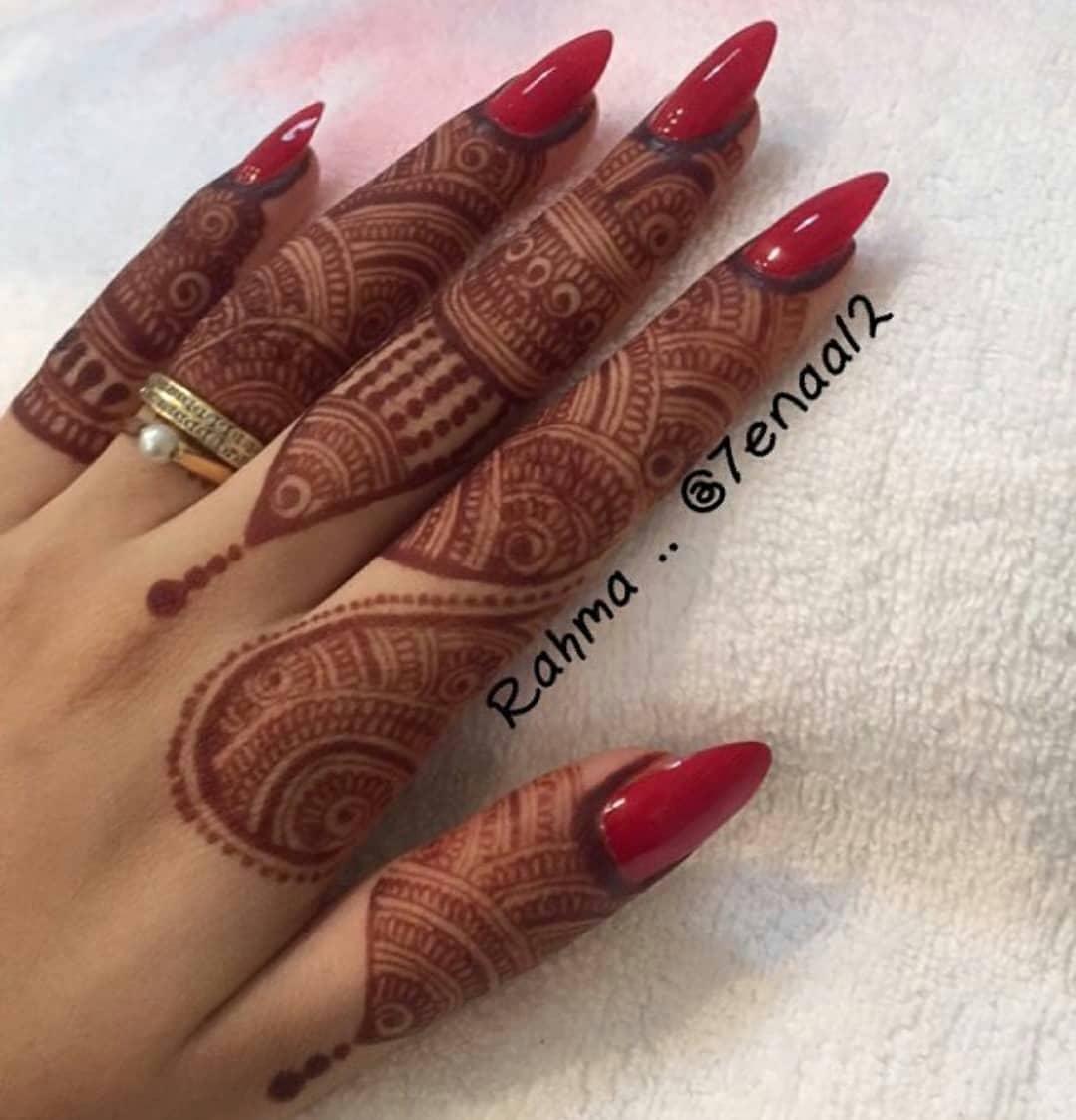 Adorable New Rakshabandhan Mehndi Designs For 2018 | Simple & Easy Rakshabandhan Mehndi Design To Try This Year | Simple Mehndi Designs For Beginners | Latest Rakhi Mehandi Designs | fingers Mehndi Designs