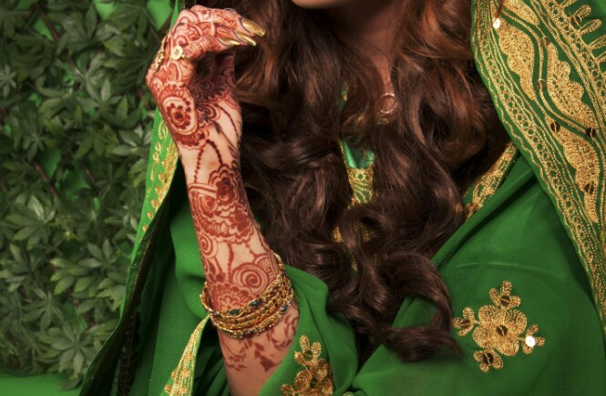 Karwa Chauth Mehndi Designs Photos & Inspirations: Latest Mehndi Designs For Karwa Chauth 2018, Karwa Chauth Mehndi Photos, Karwa Chauth Mehandi Design