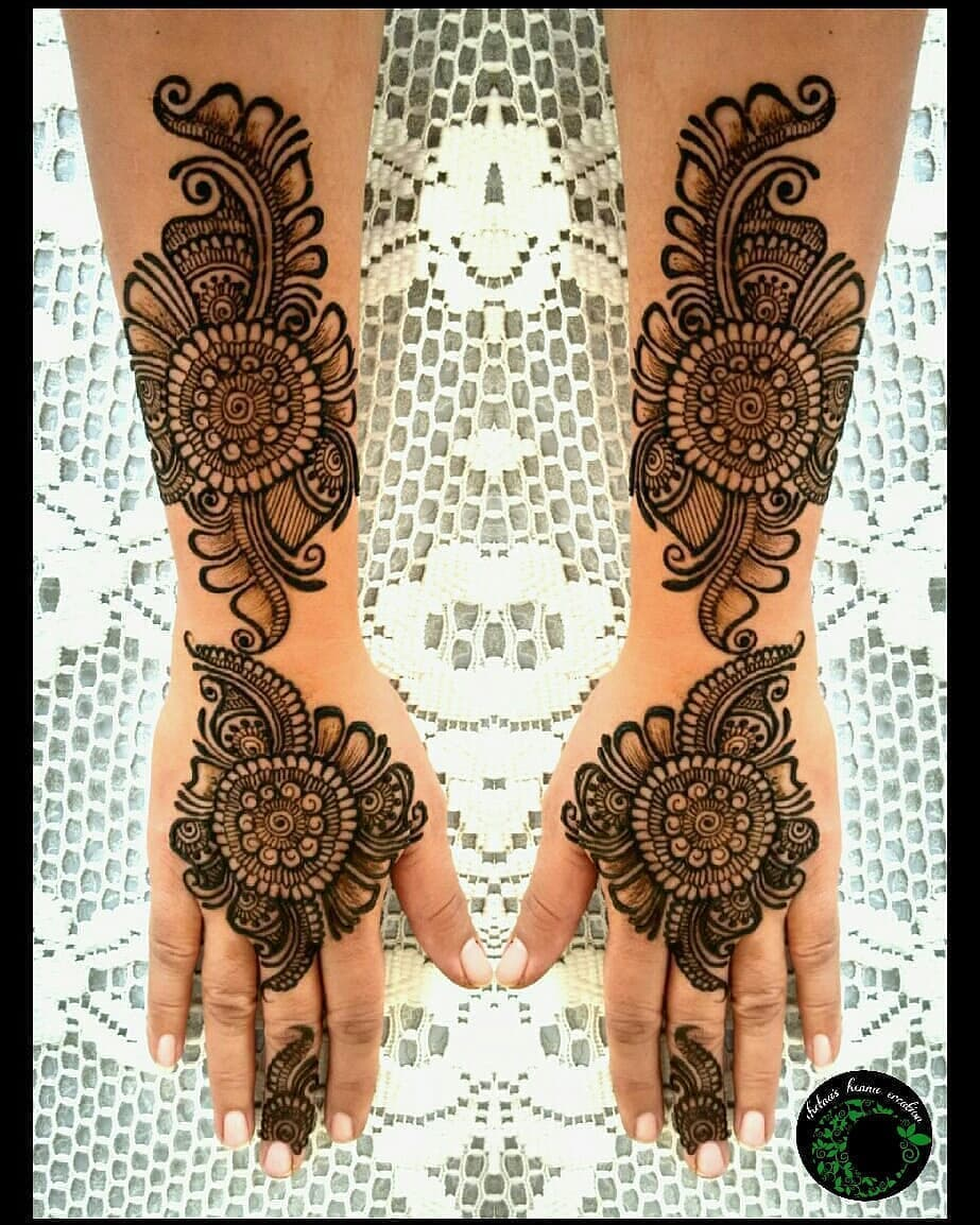 Karwa Chauth Mehndi Designs Photos & Inspirations: Latest Mehndi Designs For Karwa Chauth 2018, Karwa Chauth Mehndi Photos, Karwa Chauth Mehandi Design