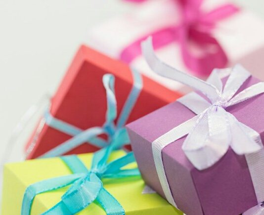Latest diwali gifts for family, Unique Diwali Gifts For Family 2018, family diwali gifts 2018