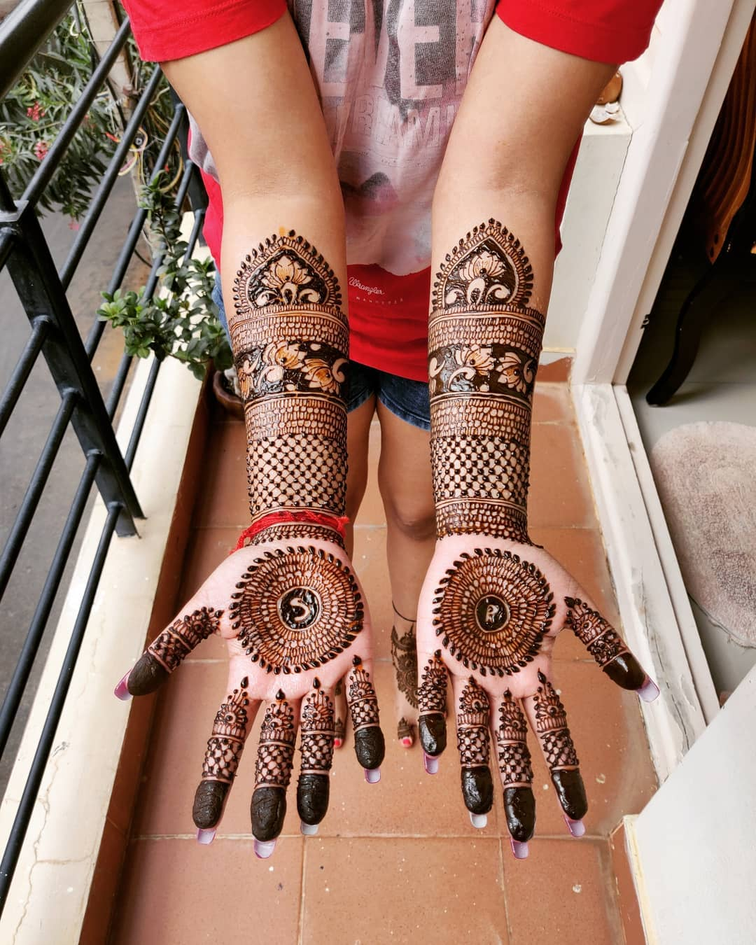 detailed mehndi design for new brides