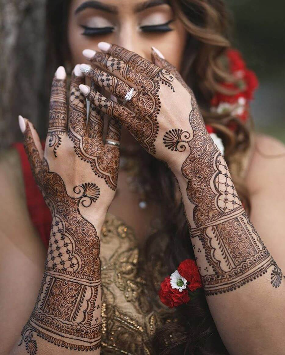 intricate mehndi design for both hands