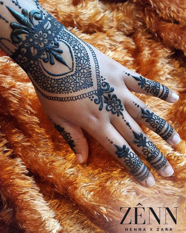 Black Henna Design For Eid