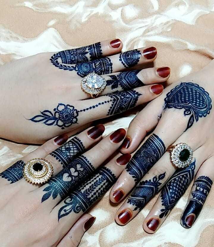 Black Henna Mehndi Design For Eid