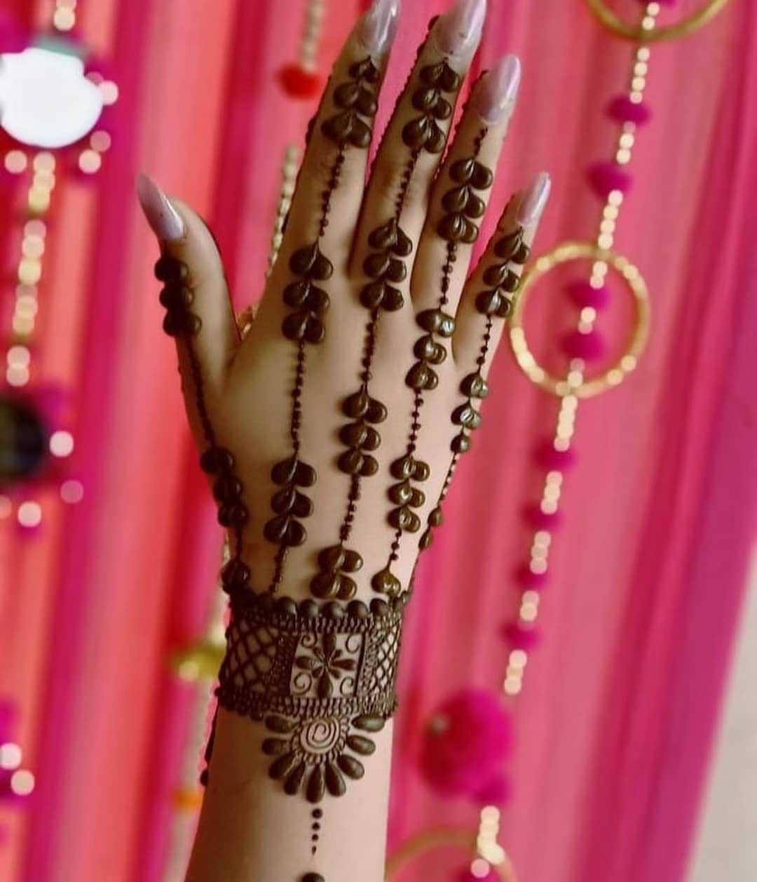 Bold Mehndi Design For Rakhi