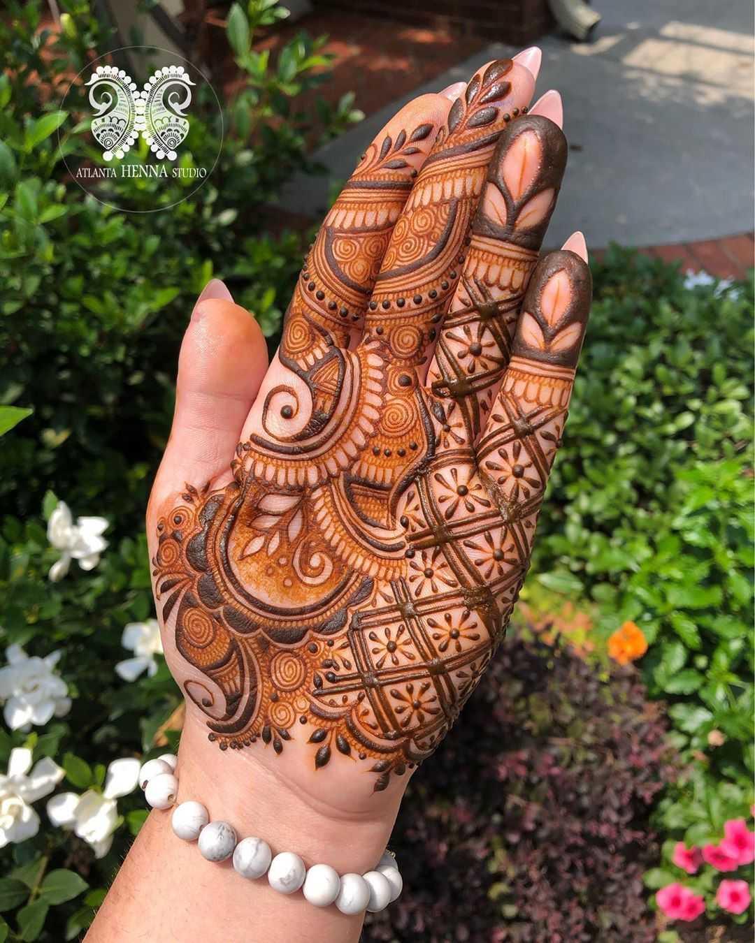 Shaded Palm Mehndi Design For Eid Al-Adha
