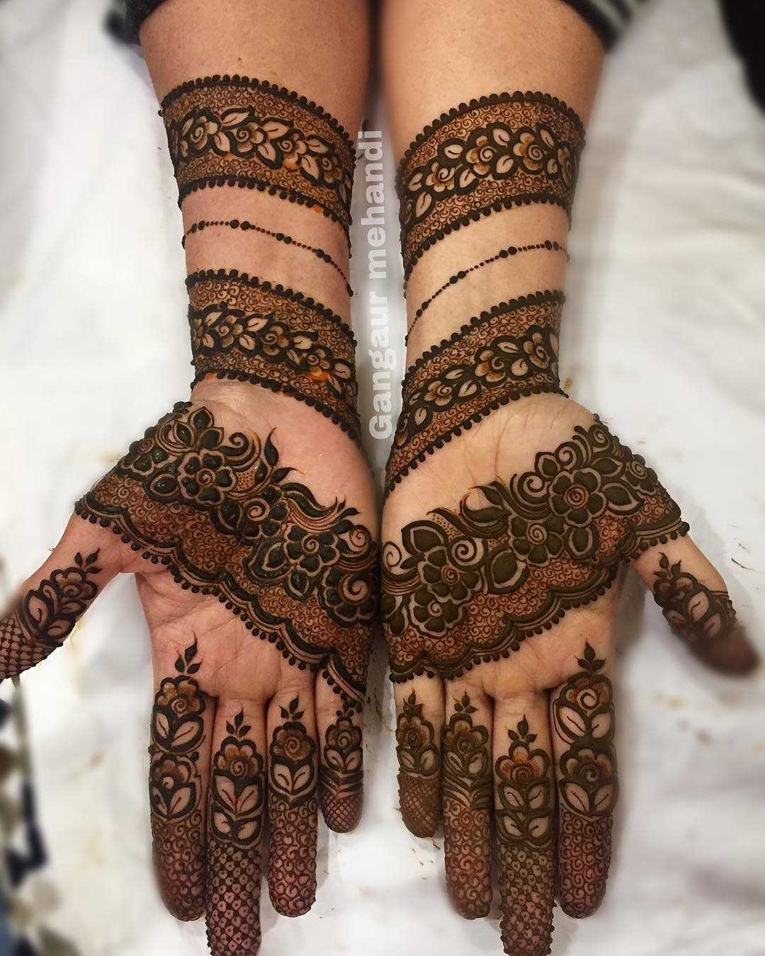 Spaced Out Mehndi