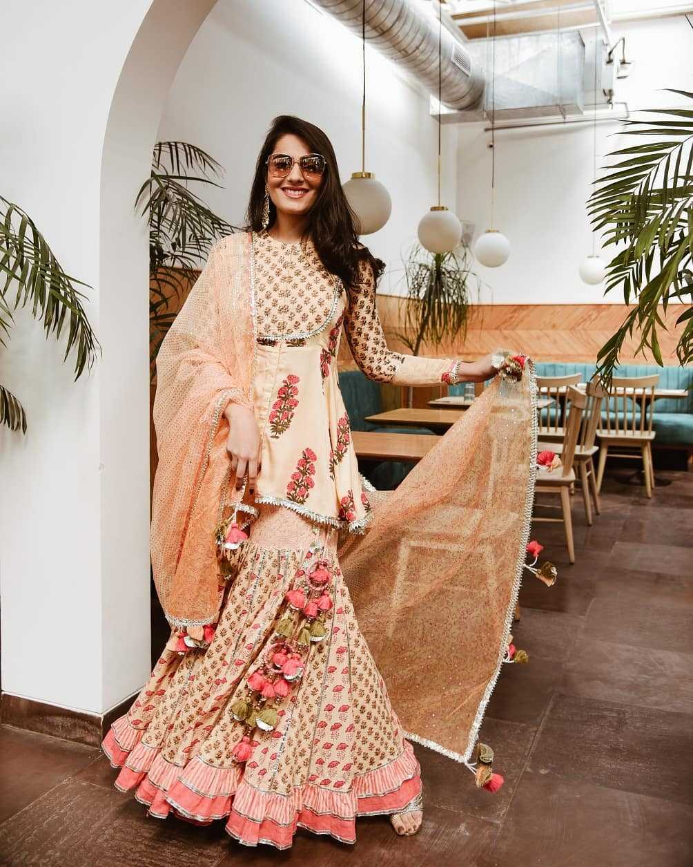 Top 9 Dussehra Outfits Inspirations That Are Trending in 2019 - maayera jaipur sharara set