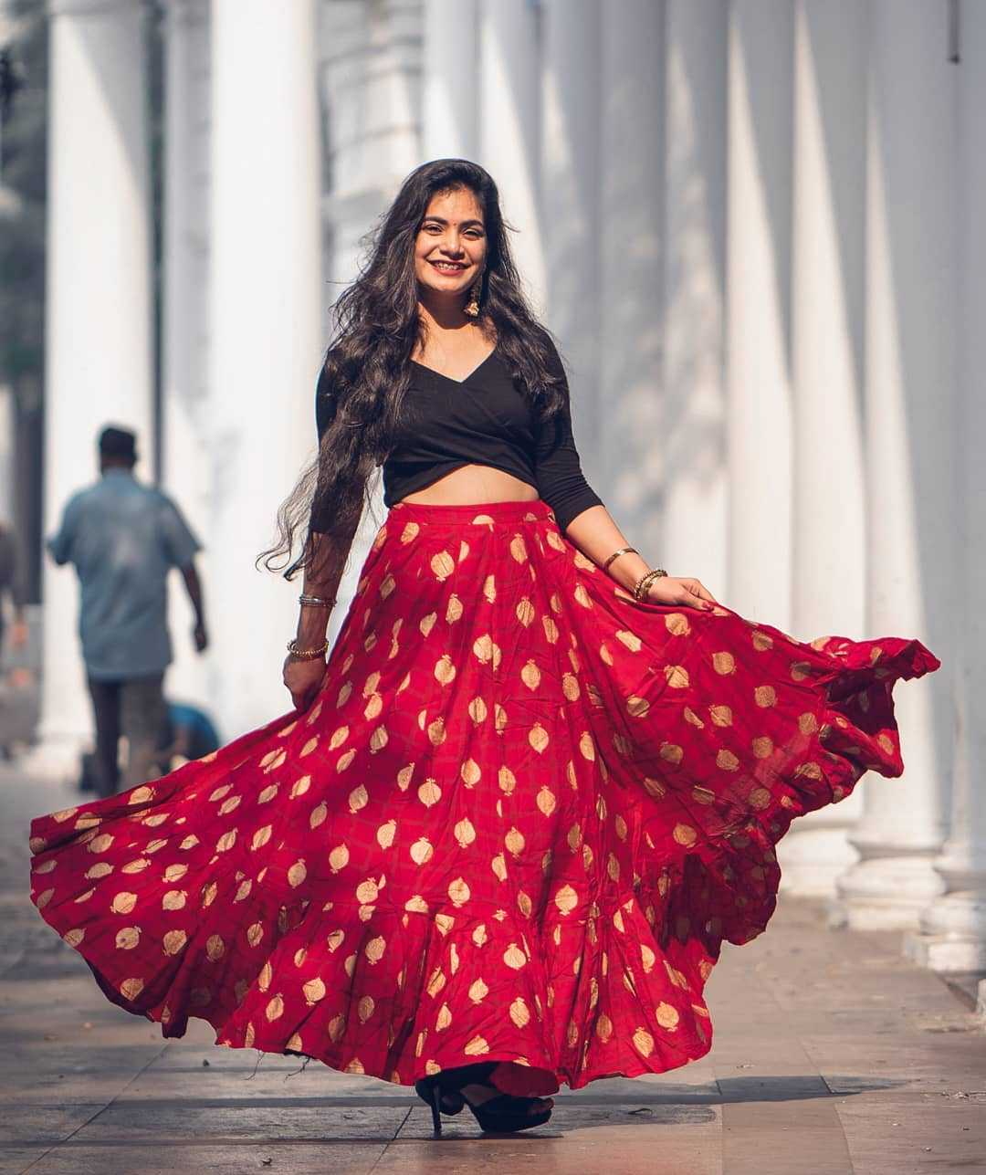 Top 9 Dussehra Outfits Inspirations That Are Trending in 2019 - max fashion skirt and crop top