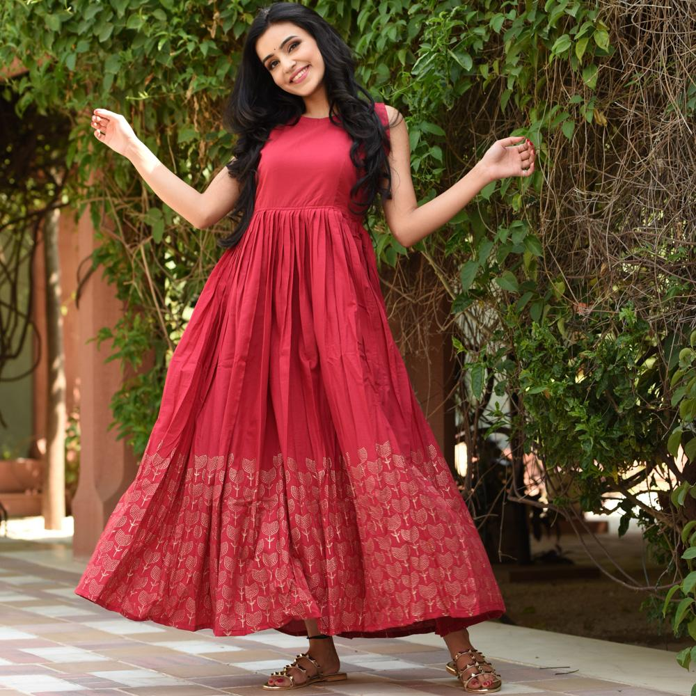 Trendy Karwa Chauth Dress Ideas [2019]- cherry red dress for karwachauth