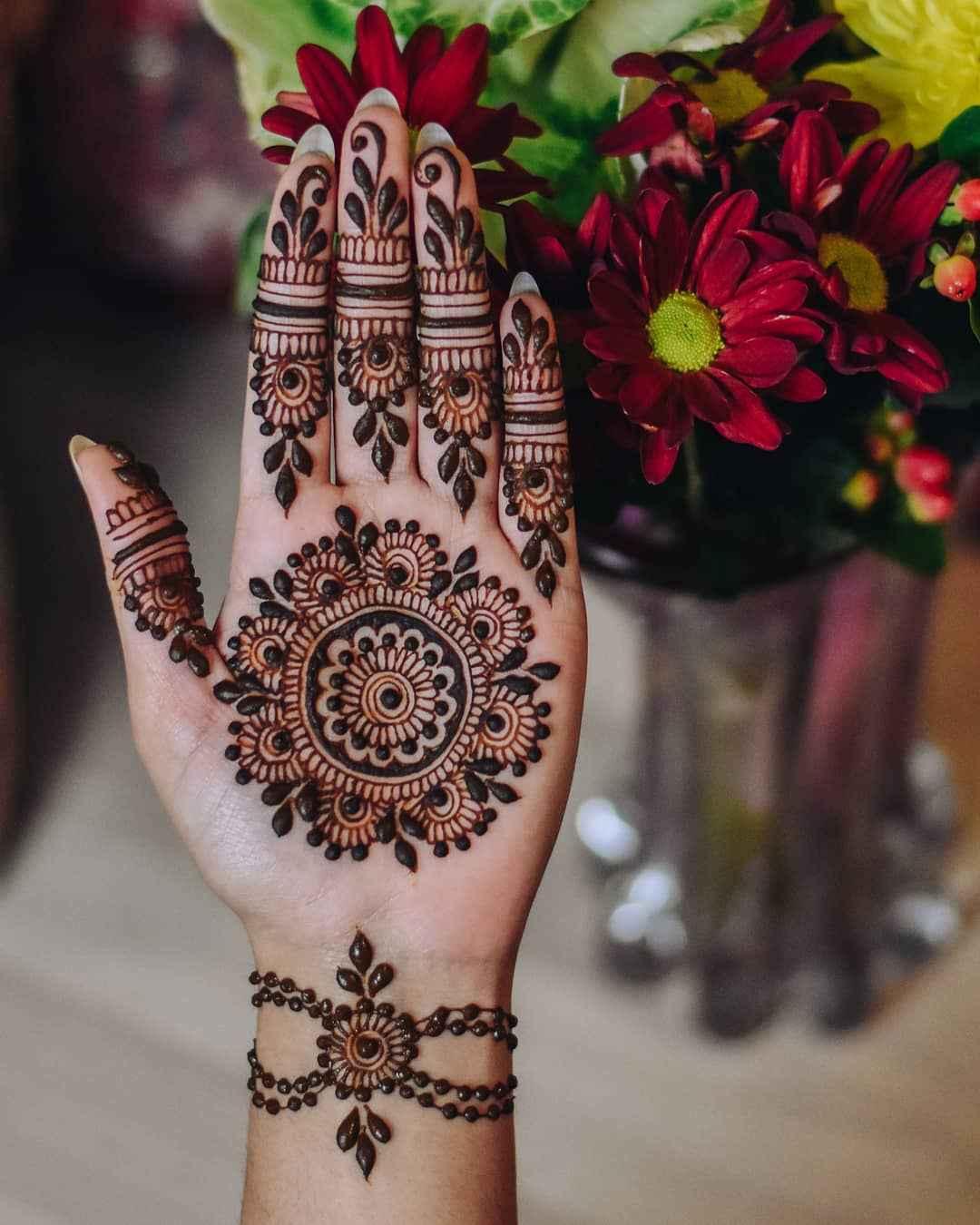 Simple Karwa Chauth Mehndi Designs