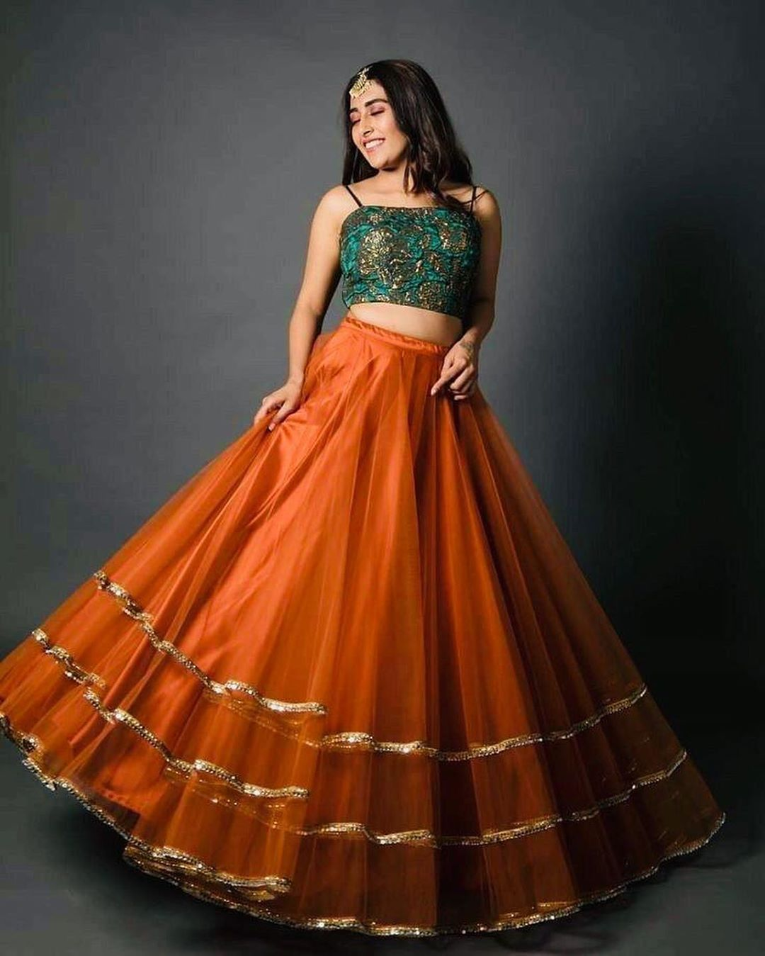 20+ Indian Bridesmaids Outfits Ideas 2020 | Indian Bridesmaid/Wedding Guest Outfit Inspirations