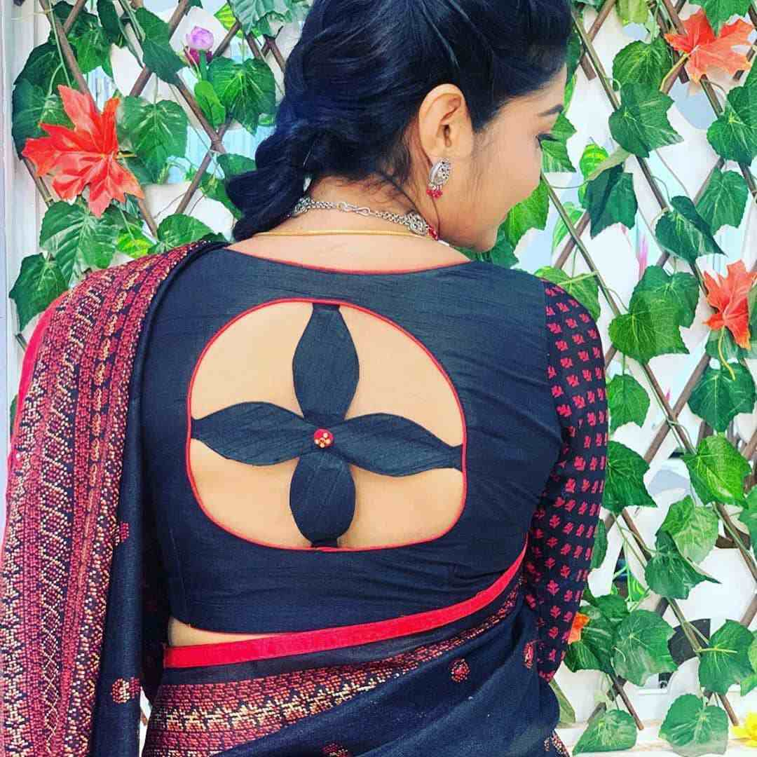 4 Leaved-Clove Cut-out Blouse