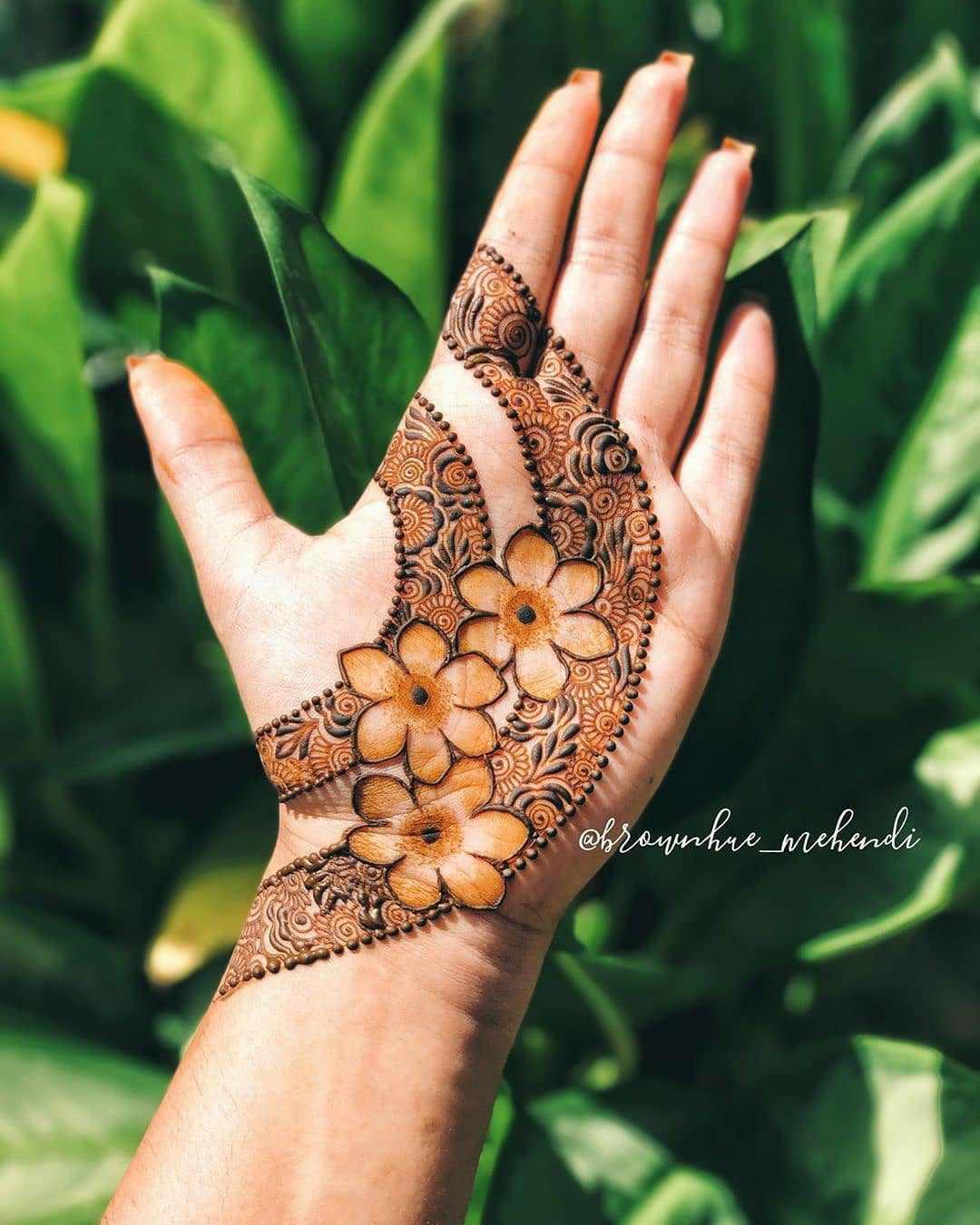 Minimal Mehndi Designs