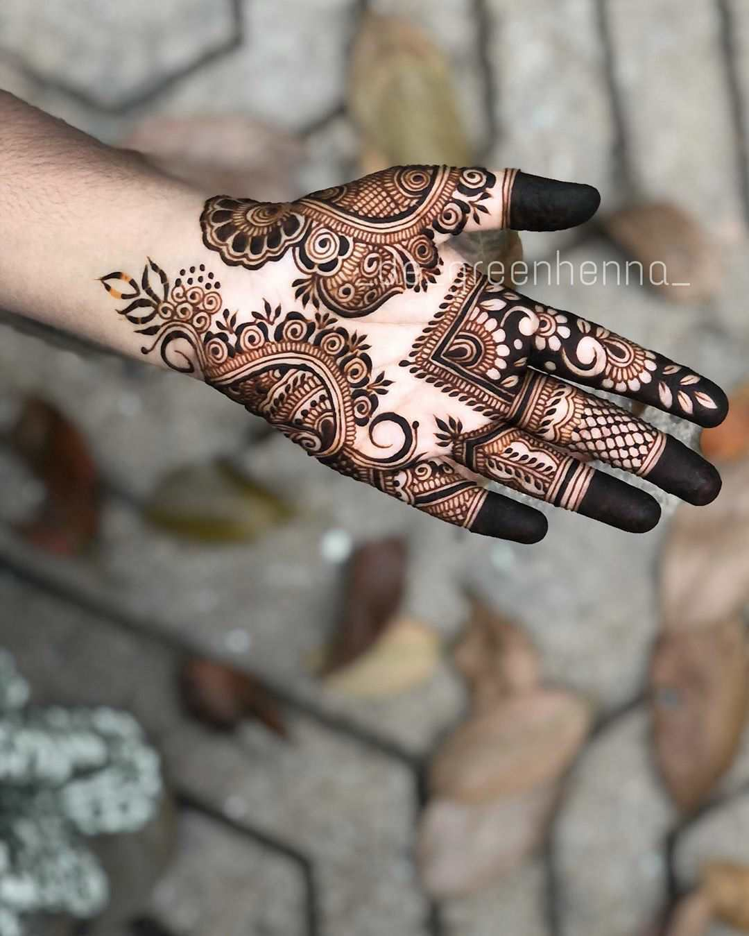 Palm mehndi design for eid