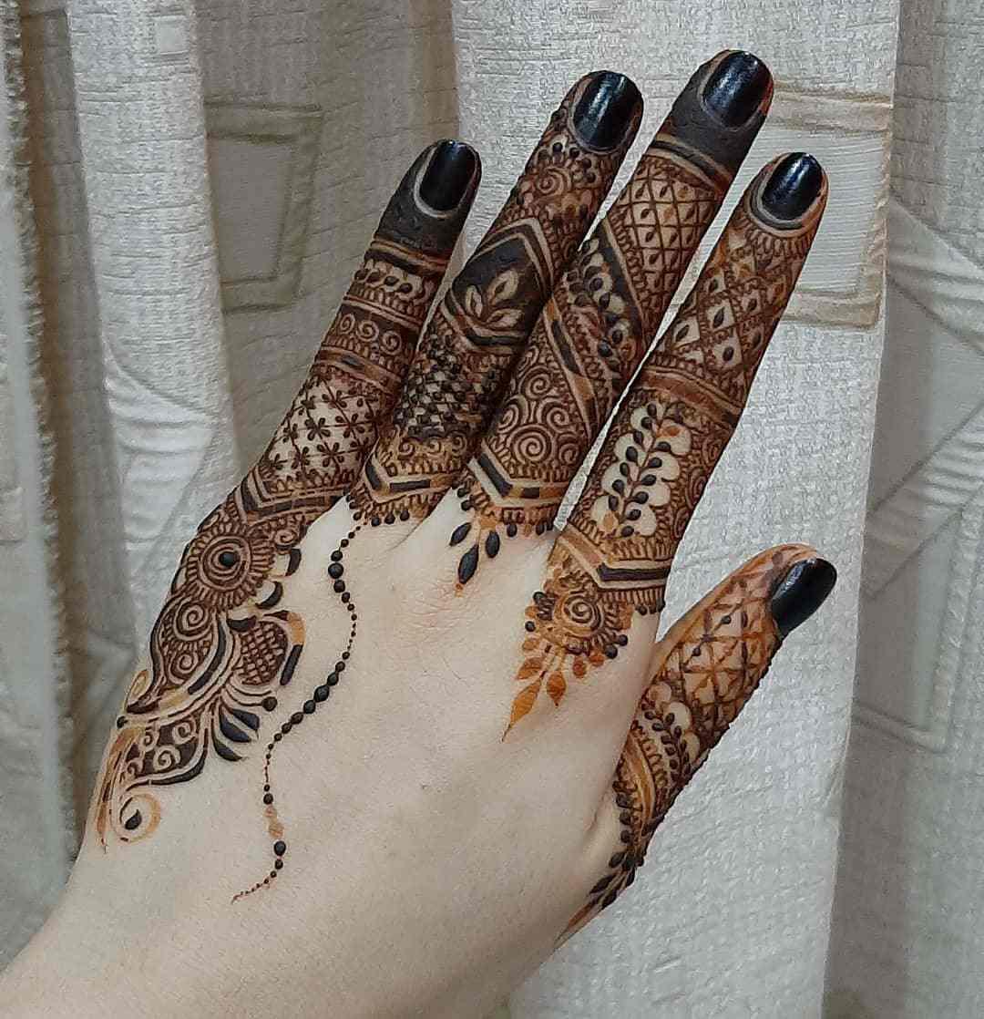 Fingers Mehndi Design