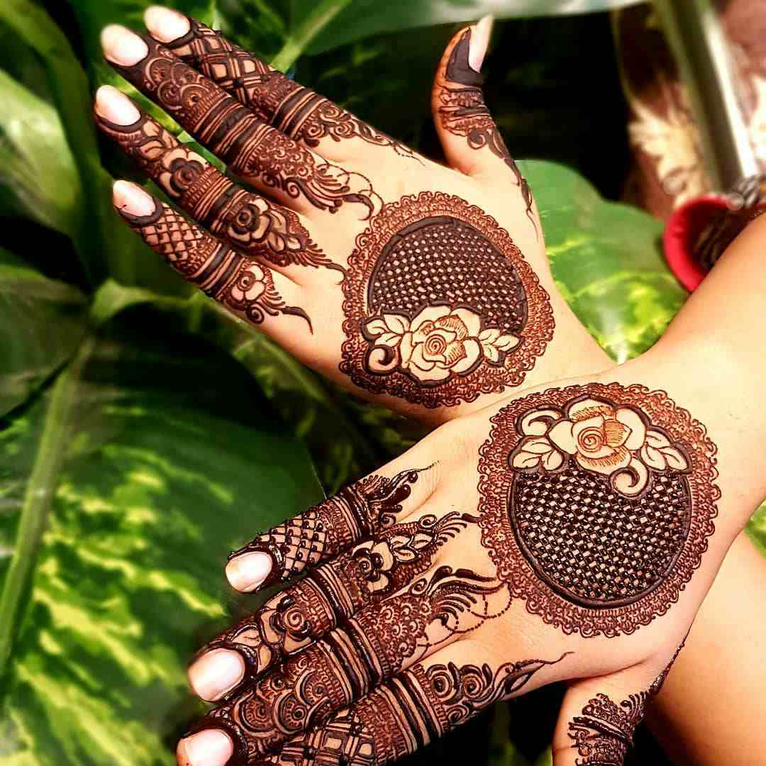 Dotted Mandala Mehndi Design