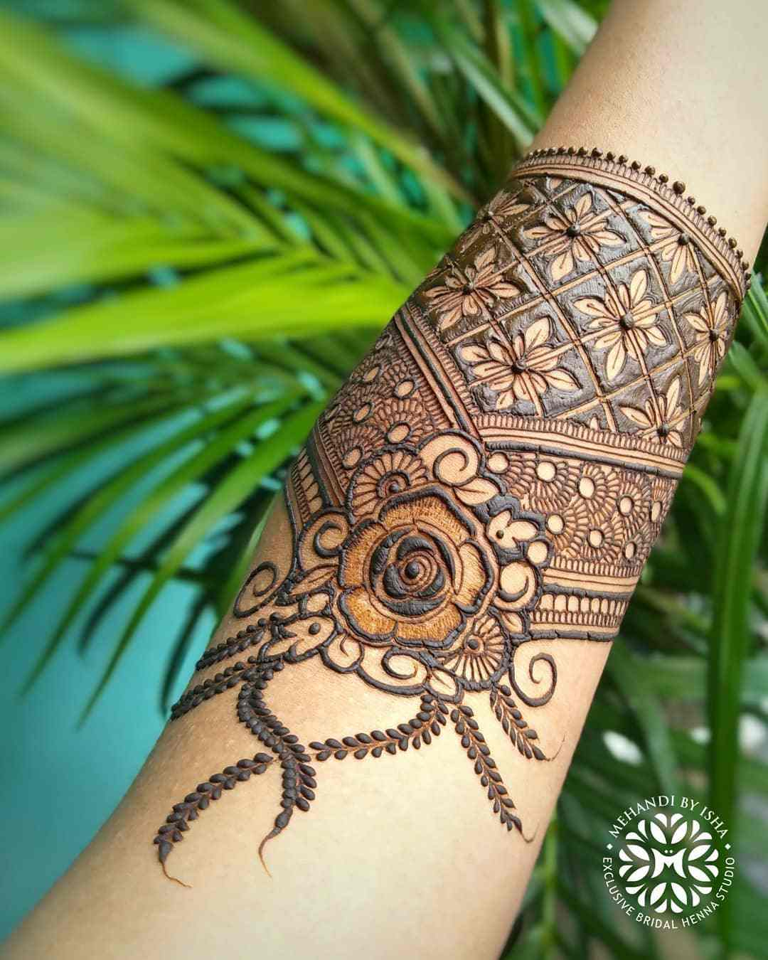 Beautiful Floral Mehndi Design For Arms