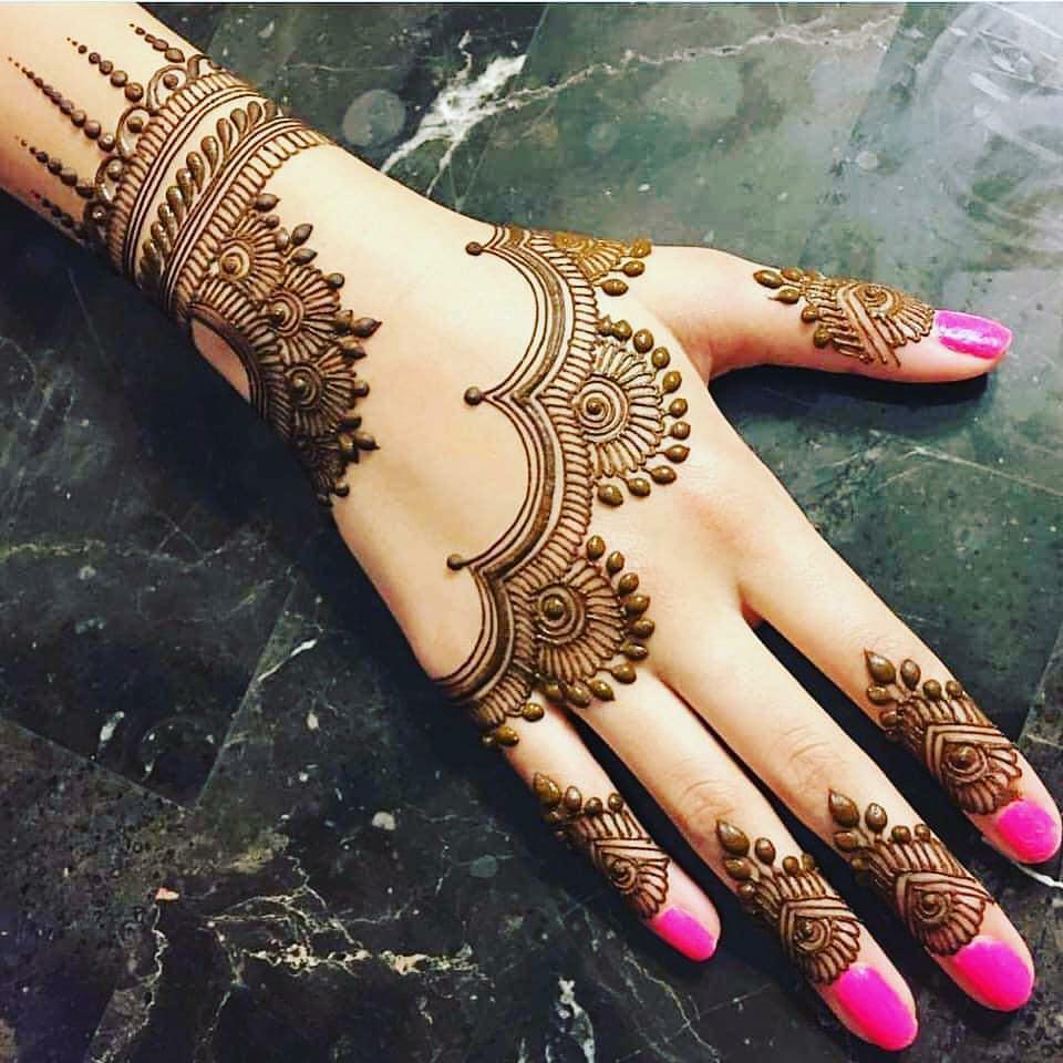 Stylish Hartalika Teej Mehndi Designs For Back Of The Hands