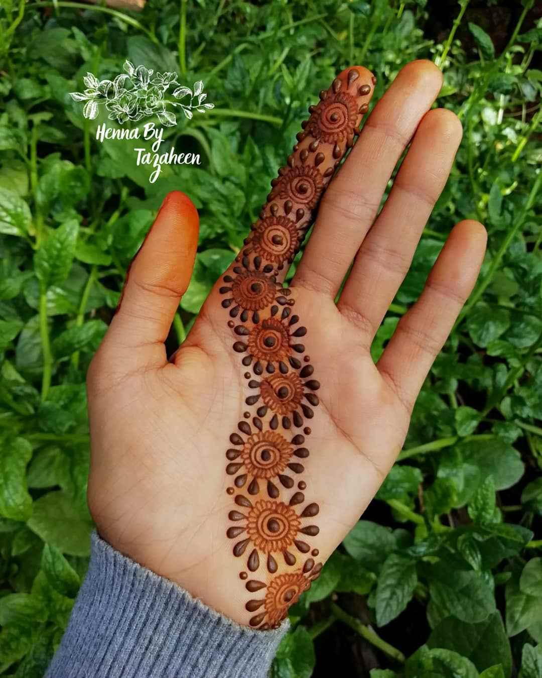 Very Simple Palm Mehndi Designs For Hartalika Teej