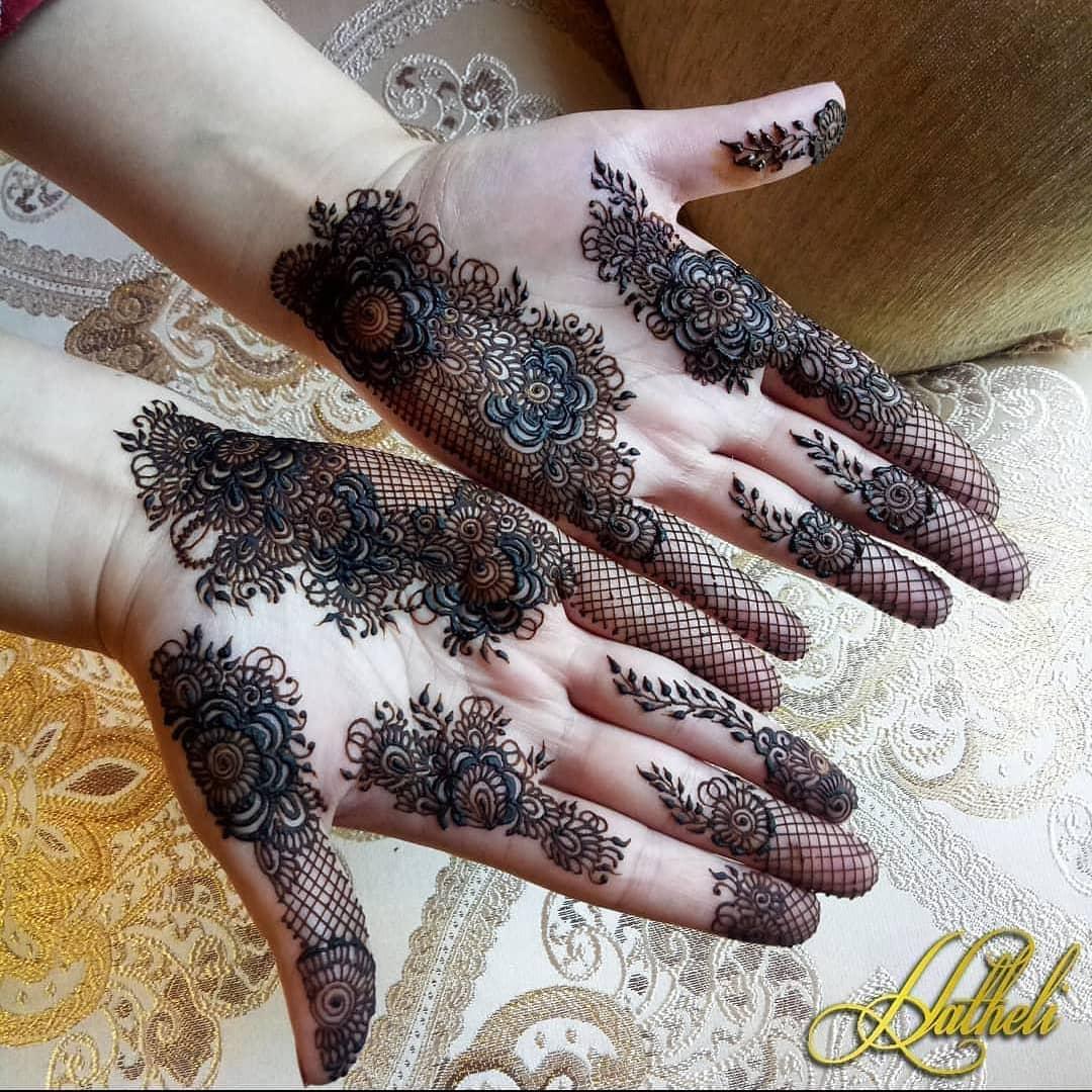 Unique mehndi design for both hands